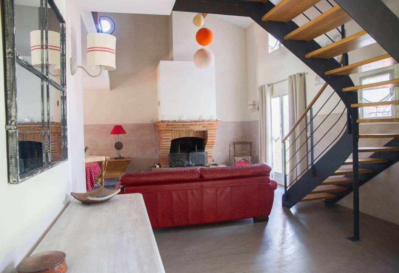 Escalier Dans Un Salon salon vue escalier - escapades champêtres linge de maison