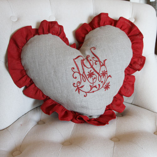 coussins charme lin coussin coeur detail