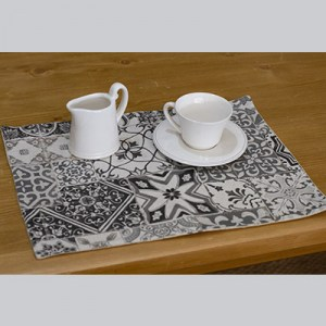 Set-table-carreaux-vintage